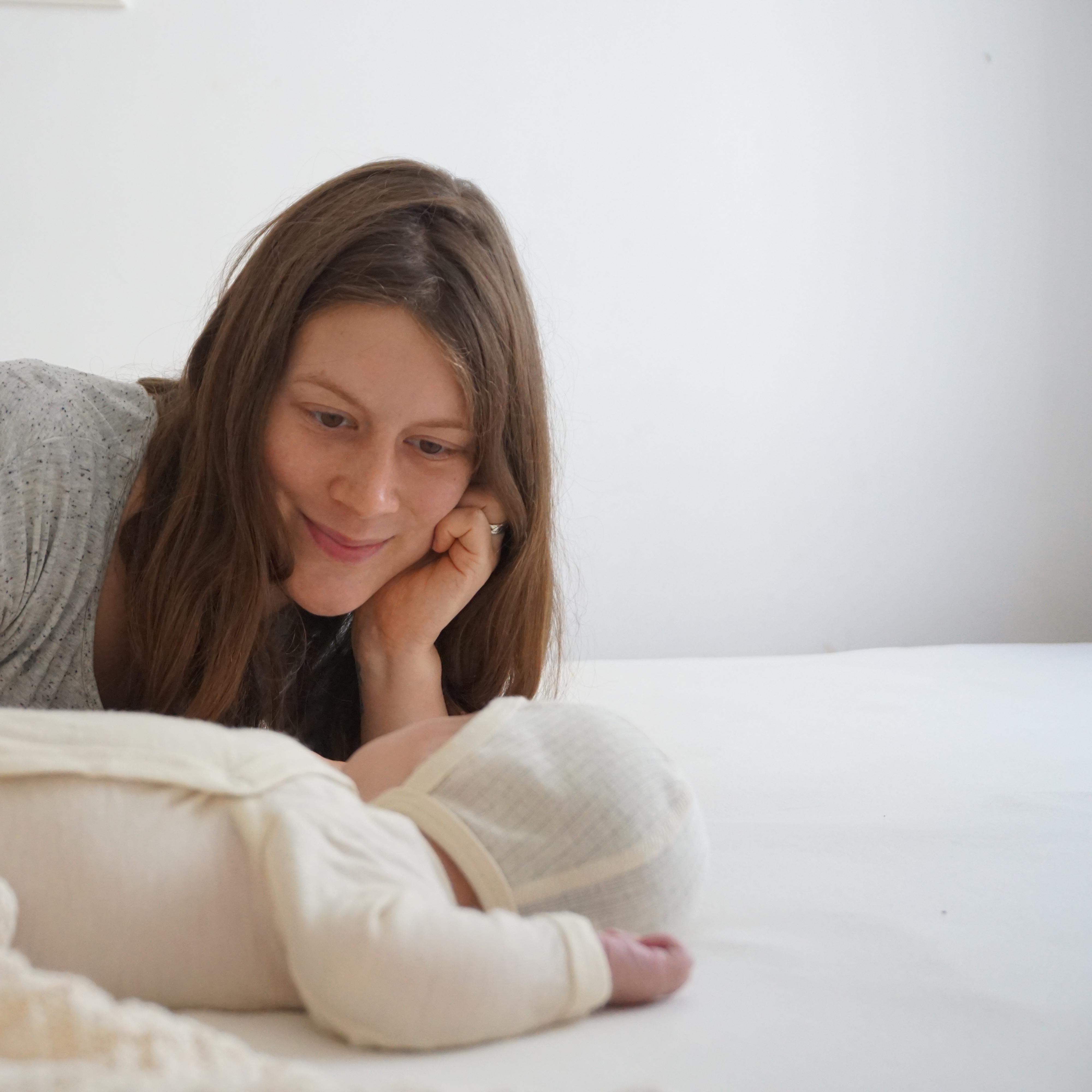 wie kann ich mein baby von anfang an richtig f rdern geborgen wachsen. Black Bedroom Furniture Sets. Home Design Ideas